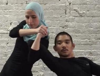 Мусульманка показала, как задать жару срывателю платка (ВИДЕО)