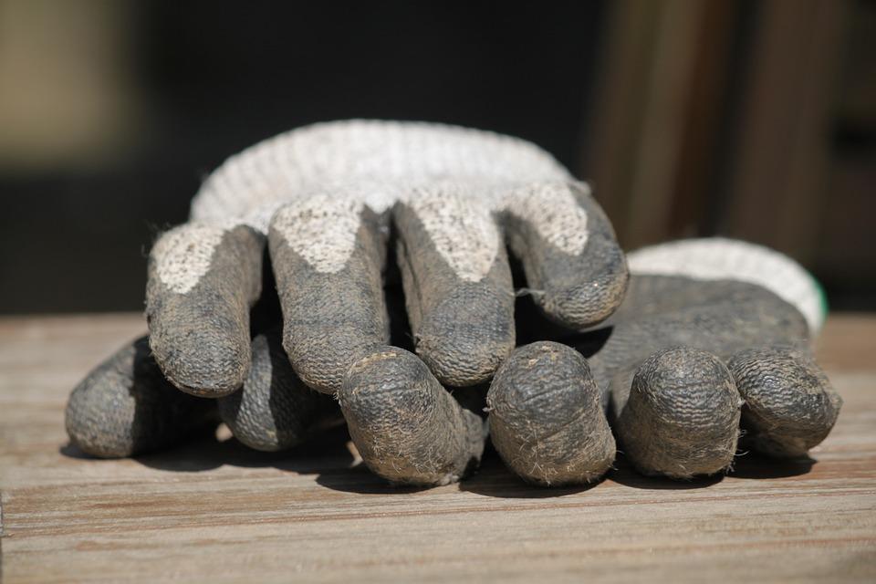 Как купить удобные и недорогие рабочие перчатки?