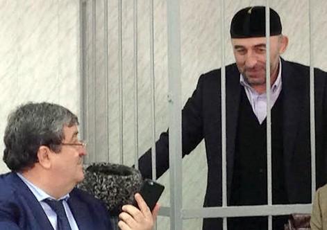 Курман-Али Байчоров с адвокатом Алавди Мусаевым