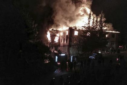 В момент пожара в здании находилось 34 ребенка