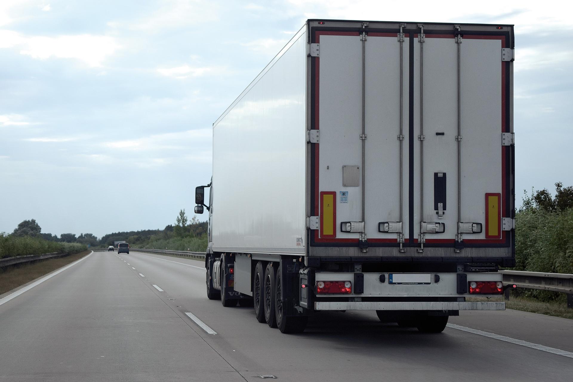 Особенности транспортировки грузов товаров в Российской Федерации
