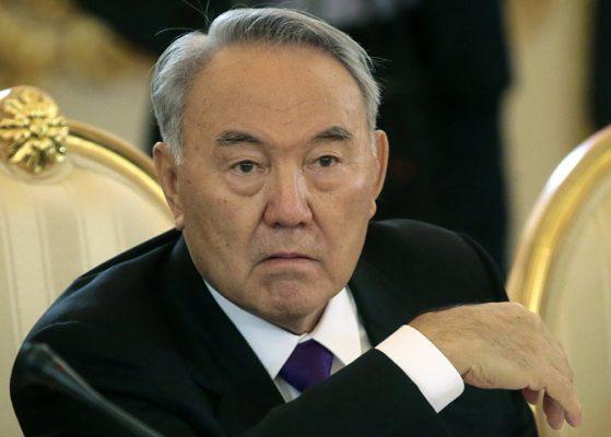 Президент Казахстана готов поделиться властью спарламентом и руководством
