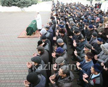 Джаназа-намаз и похороны Гейдара Джемаля (ФОТО)