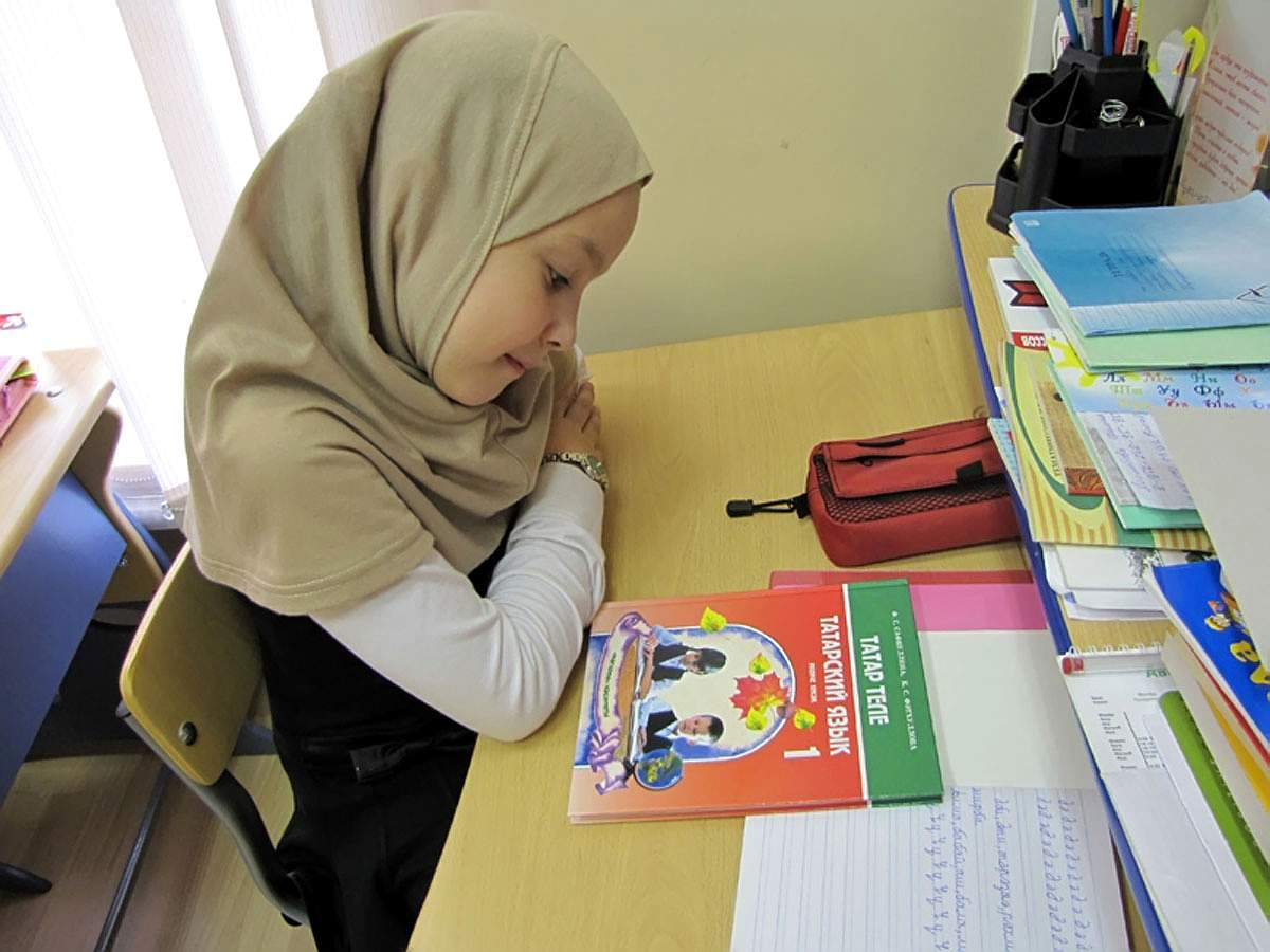 Возможность ношения хиджаба должно определять руководство школ