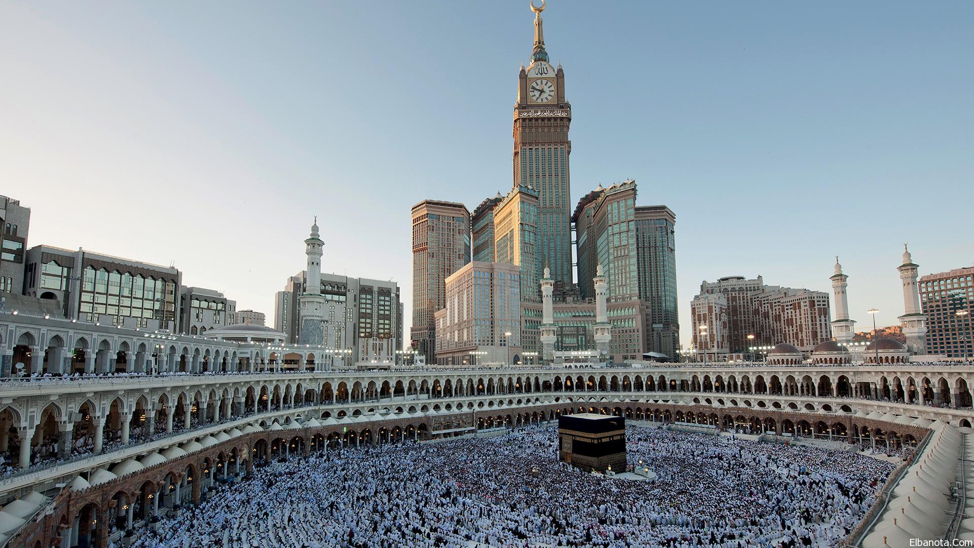 Священная Кааба и знаменитая башня с часами