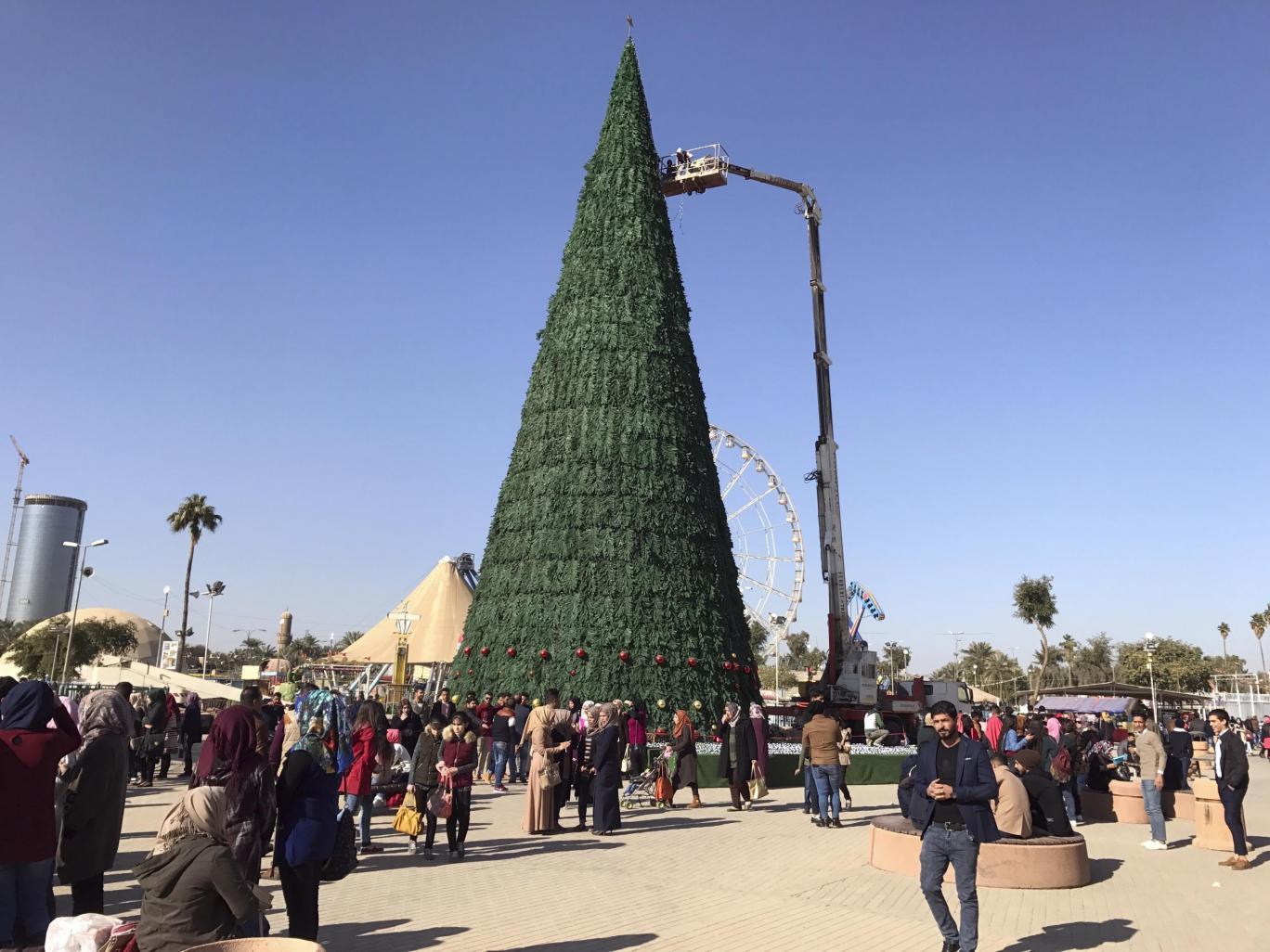 Праздничная елка в Багдаде