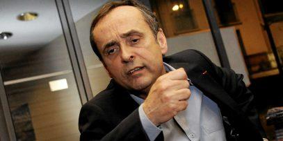 Французского мэра-исламофоба вызвали в суд