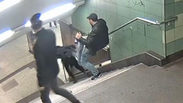 Установлена личность толкнувшего ногой девушку в метро Берлина