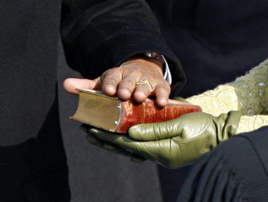 Новый президент исламской страны даст присягу в соседнем государстве – почему?