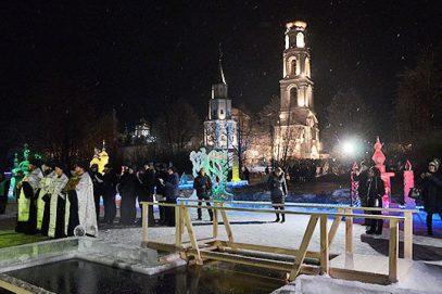В Татарстане мусульмане искупались в проруби в крещенскую ночь — зачем?