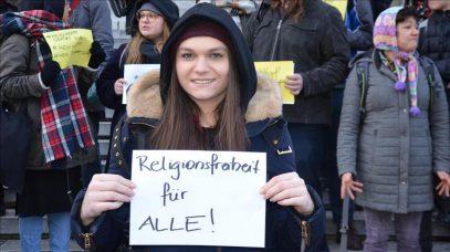 Законопроект против хиджаба в Австрии вывел людей на улицу