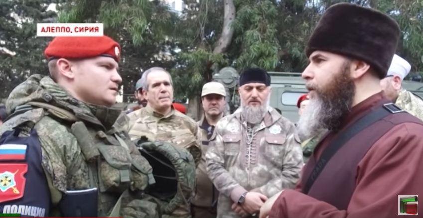 Муфтий помогает российскому военному принимать ислам