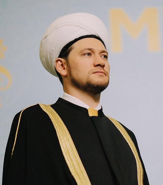 Дамир Мухетдинов. Фото: islamdumspb.ru