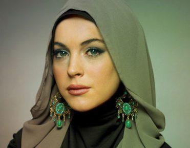 Линдси Лохан: За Коран меня распяли на кресте (ВИДЕО)