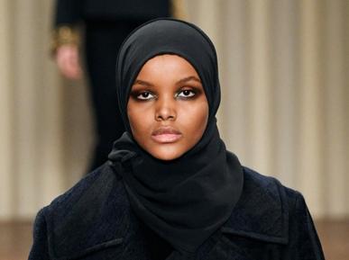 Красавица в хиджабе покорила Миланскую неделю моды