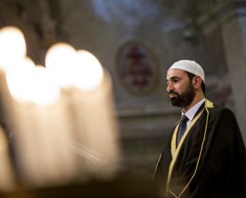 Имамов целой страны вынудили встать на профилактический учет