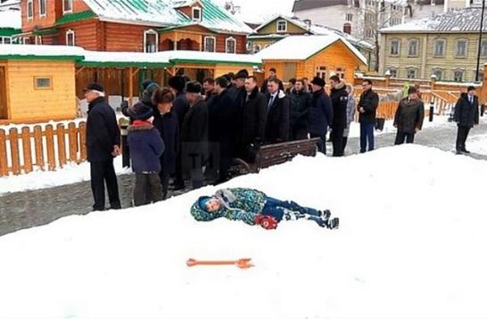 «Заснувший» при виде Минниханова и Володина мальчик наделал шума в соцсетях