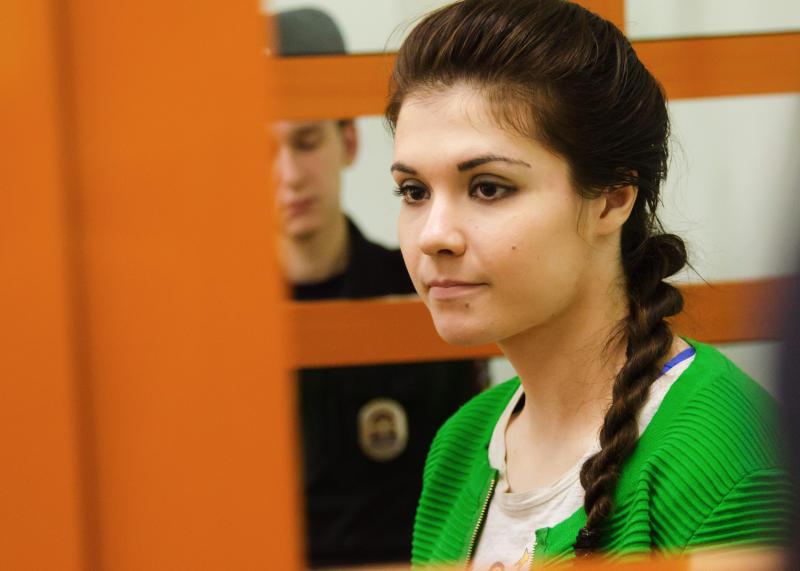 «Бедная девочка». Караулова поразила адвоката-мусульманина своим решением