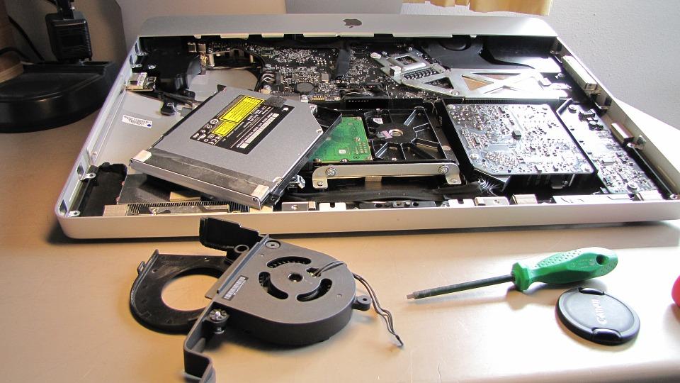 Преимущества услуг по ремонту сломанного ноутбука