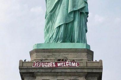 К мусульманам обратились со статуи Свободы в Нью-Йорке