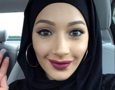 Самоирония девушки в хиджабе взорвала соцсети (ФОТО)