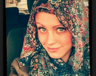 Эти христианки надели хиджабы. Зачем? Расскажут они сами (ВИДЕО)