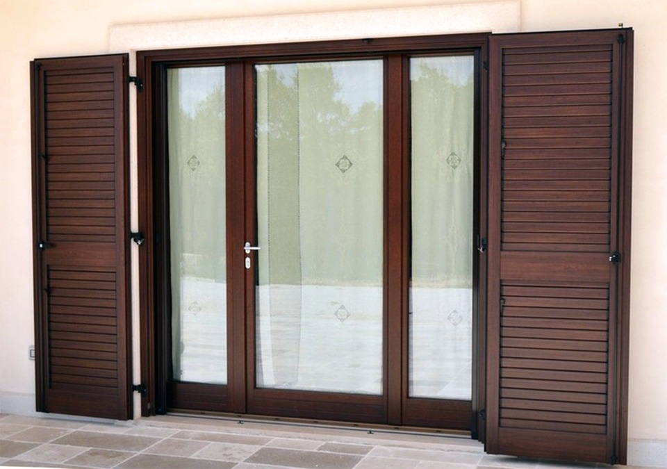 Современные металлопластиковые двери и их главные преимущества