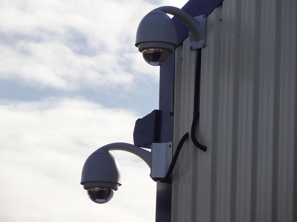 Достоинства и недостатки различных систем видеонаблюдения