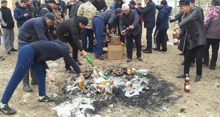 Стоп-харам. В Кыргызстане массово отказываются от продажи алкоголя