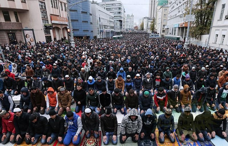 Россия исламизирует мигрантов