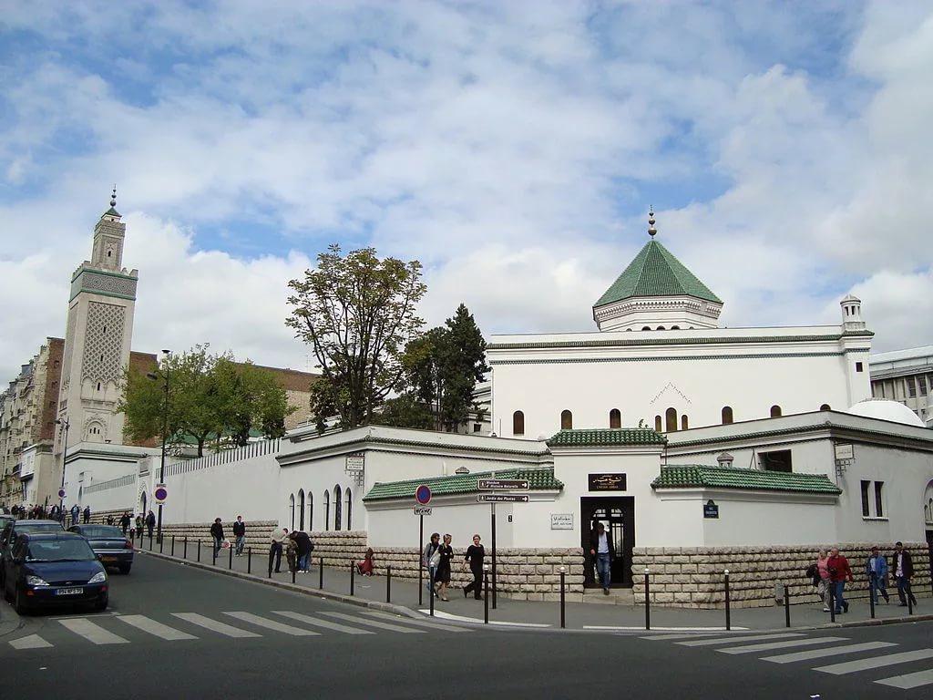 Во Франции принята «хартия имама»