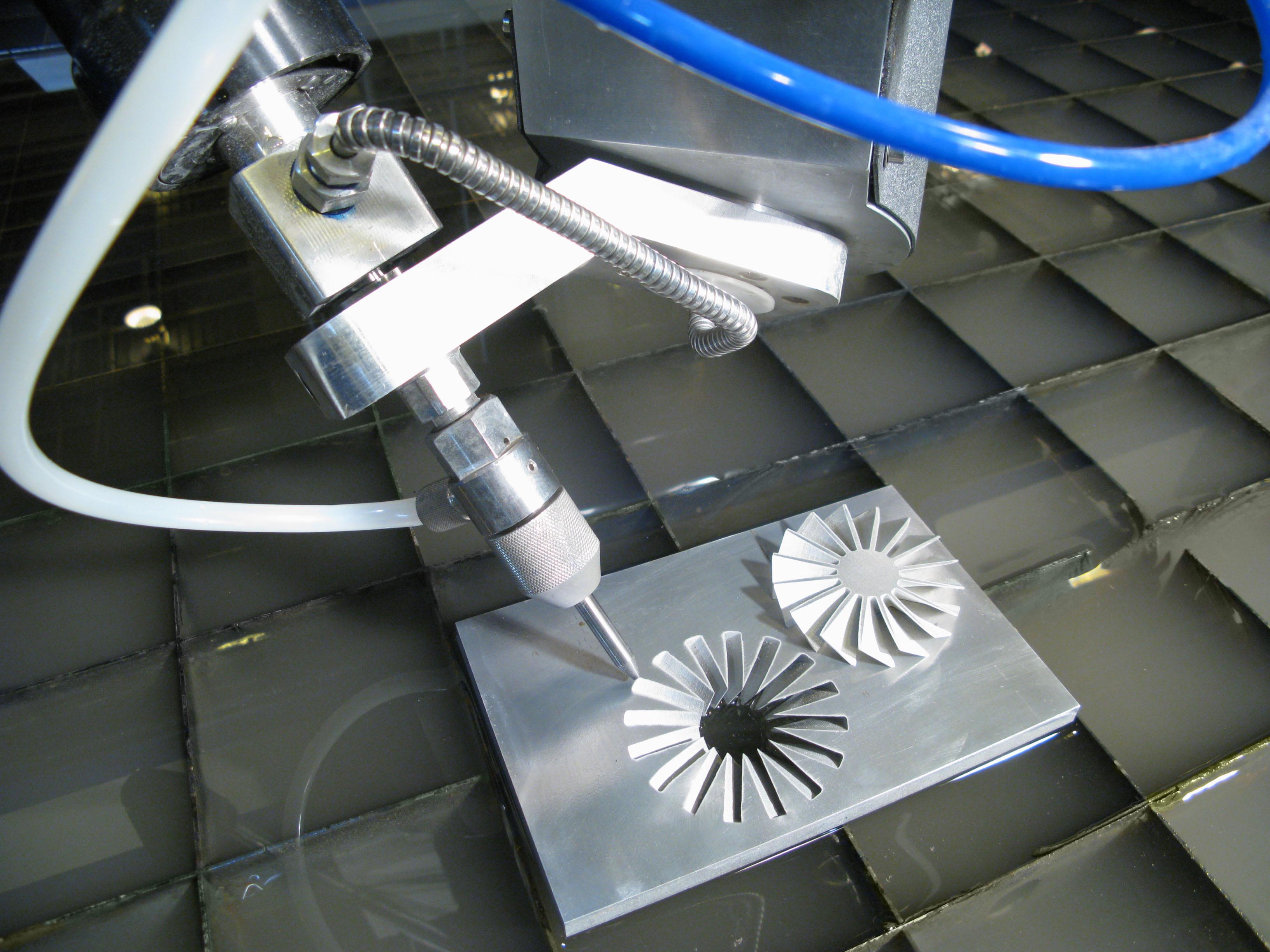 Преимущества и недостатки лазерной резки листового металла