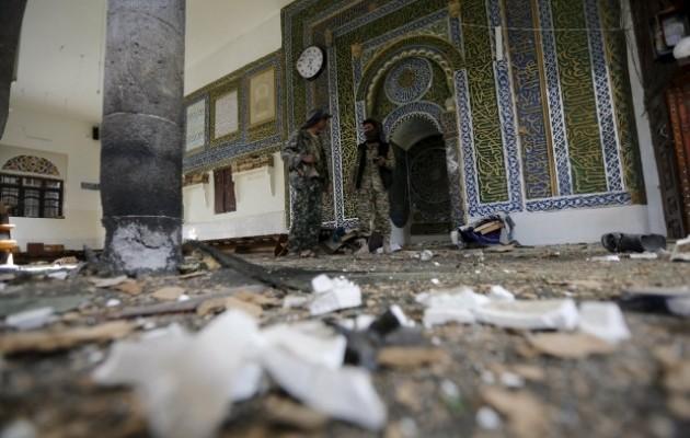 Боевики ИГИЛ взяли ответственность за взрыв мечети в Сане (ВИДЕО)