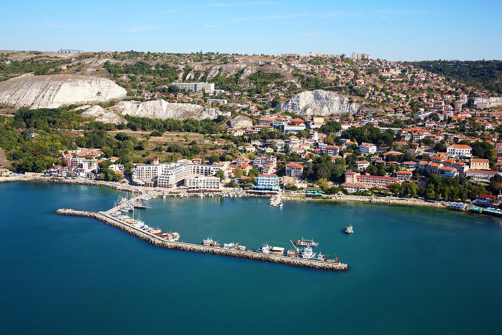 Как грамотно сделать выбор недорогой недвижимости в Болгарии