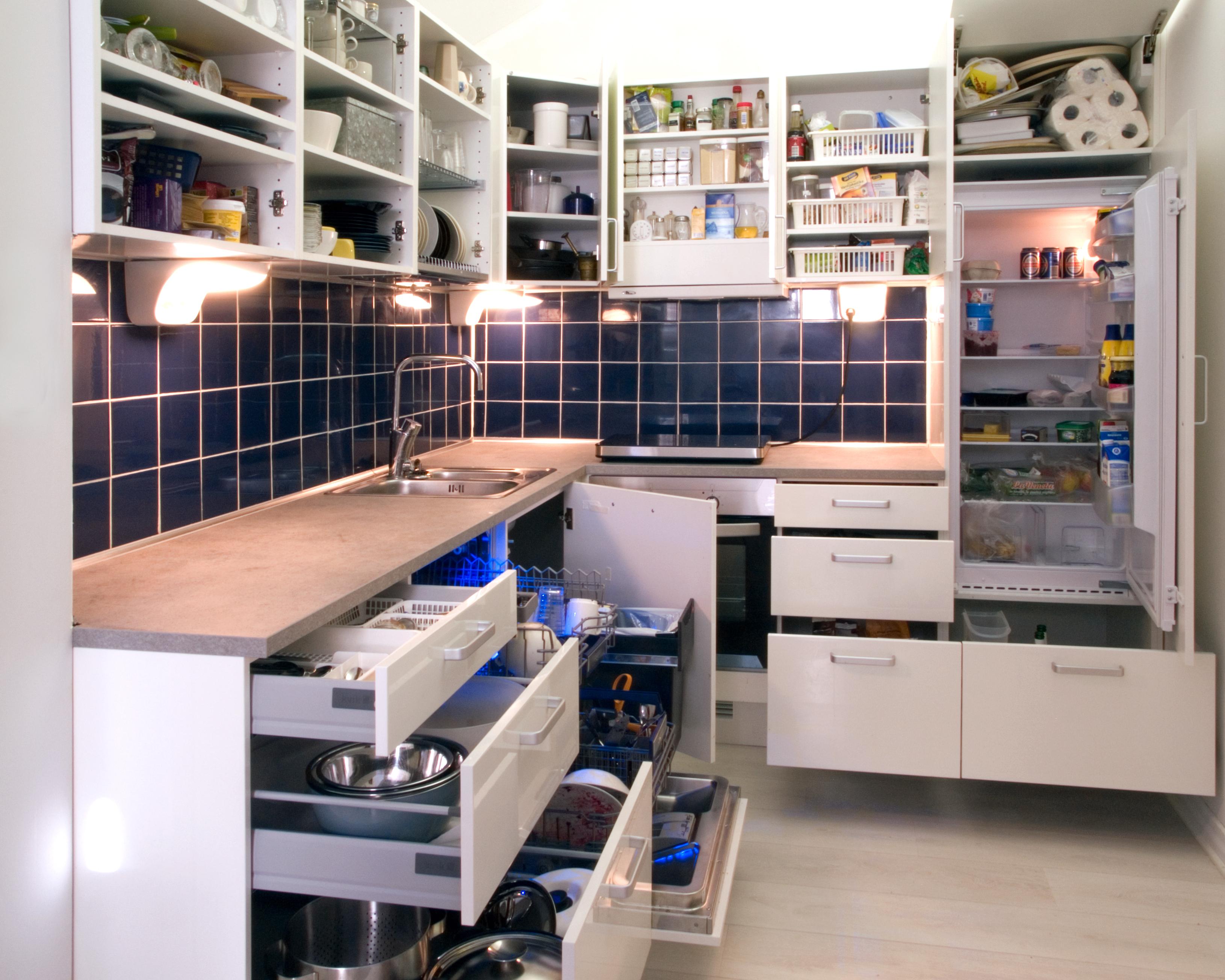 Достоинства приобретения угловой кухни