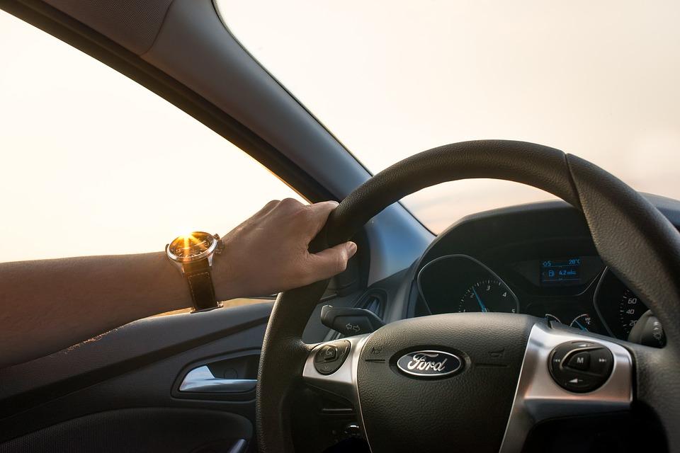 Выгодные условия аренды автомобилей от компании «Крымская карета»