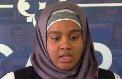 Школьнице показали красную карточку за хиджаб
