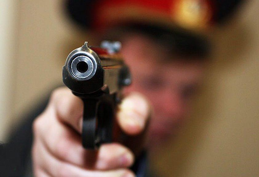 В Дагестане полицейские отметили 8 марта дракой со стрельбой