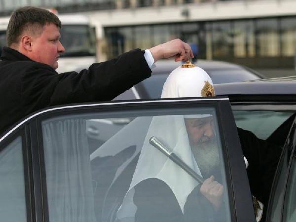 В РПЦ прокомментировали разговоры о роскоши патриарха