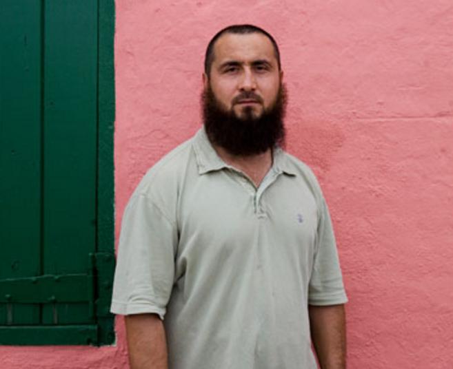 Уйгурский мусульманин, преданный Китаем, взывает о помощи