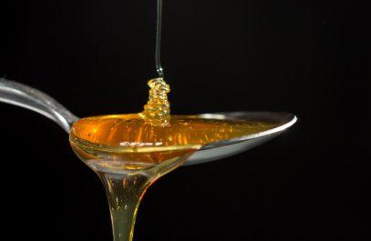 Преимущества натурального мёда и его отличия