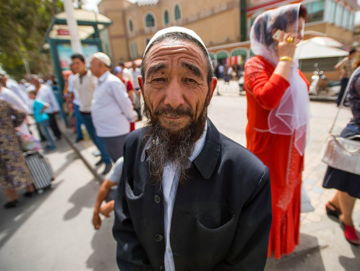 Китай пошел на невиданные меры против уйгурских мусульман