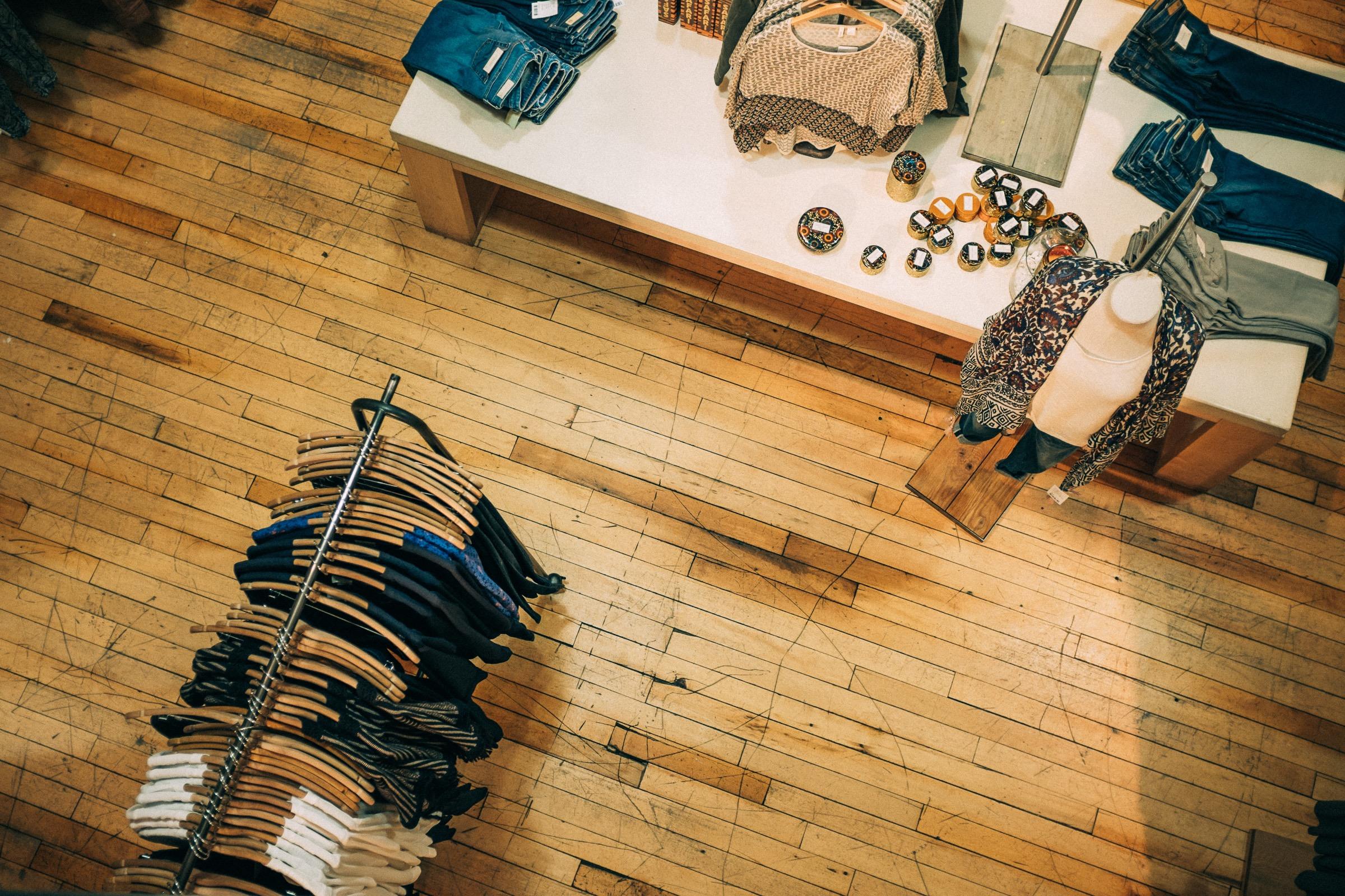 10 советов – как экономить на одежде и модно одеваться