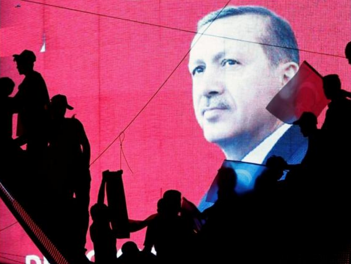 Юнкер: Турция закроет собственный  путь вЕС восстановлением смертельной  казни
