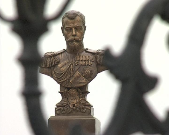 Бюст Николая II замироточил вскоре после «канонизации» царя муфтиятом Дагестана