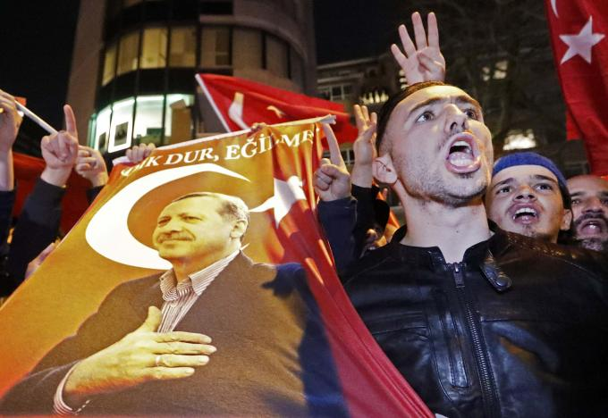 Турция сделала ход конем в конфликте с Нидерландами
