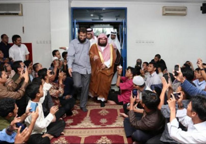 Саудовская Аравия взращивает салафизм в самой крупной мусульманской стране