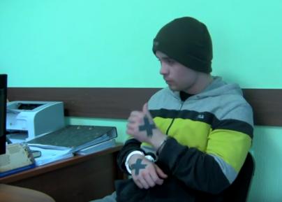 Казанский скинхед-убийца поразил следствие цинизмом на допросе (ВИДЕО)