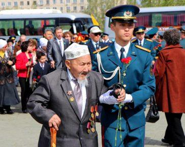 Известный казахский поэт напомнил о  потерях  своего народа  во время войны