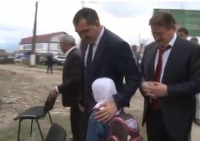 Юнус-Бек Евкуров порадовался за школьницу в хиджабе (ВИДЕО)